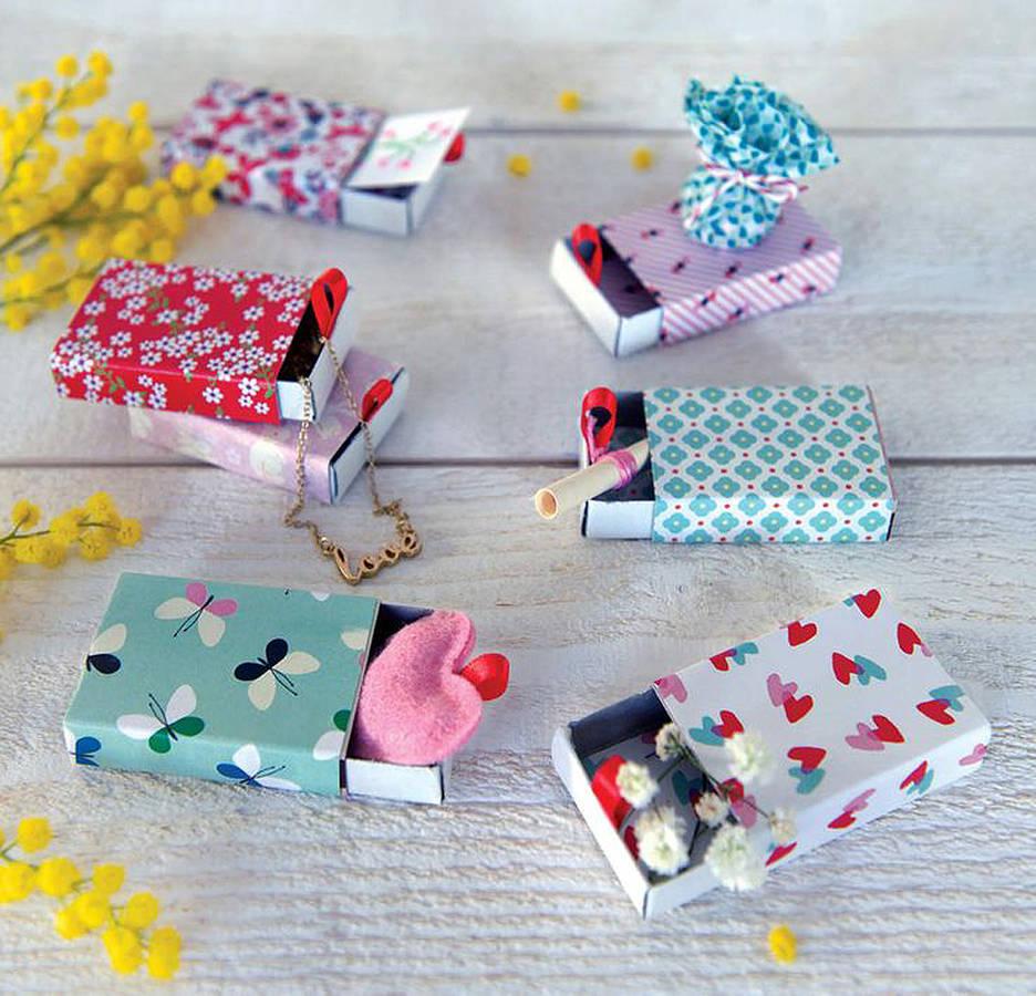emballage-cadeau-avec-des-boites-d-allumettes
